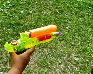 beväpnad