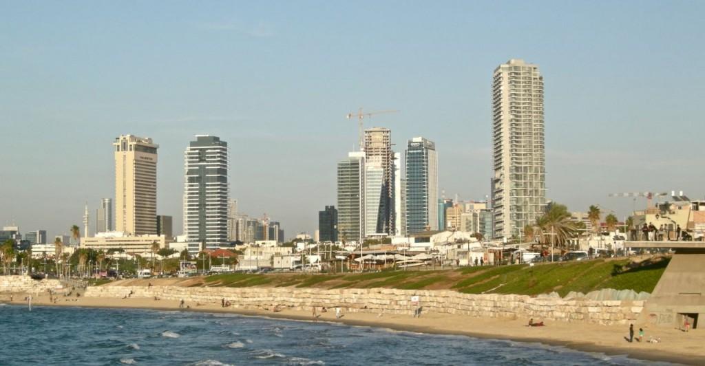 Precis så här hade jag föreställt mig Tel Aviv: Nybyggt, ljust och havsnära.